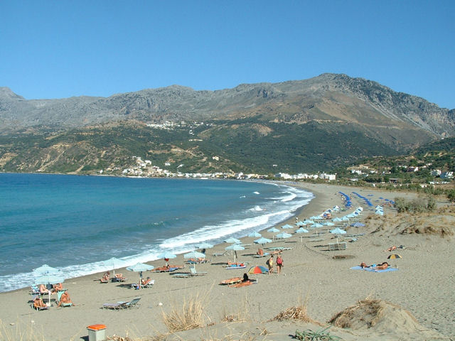 PlakiasBayBeach.JPG