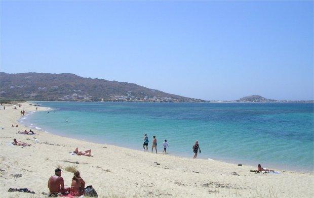 Plaka_beach_Naxos_.jpg