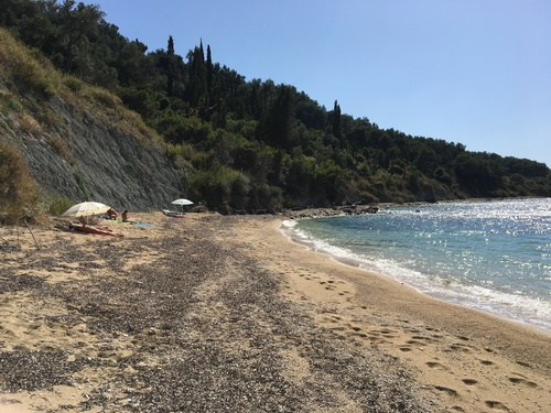 Bennie%27s%20beach%20agios%20georgios%20north